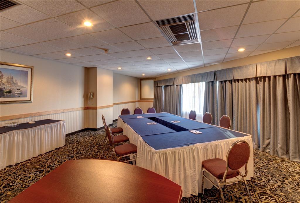 Best Western Belleville - La sala MacDonald può ospitare fino a 30 persone