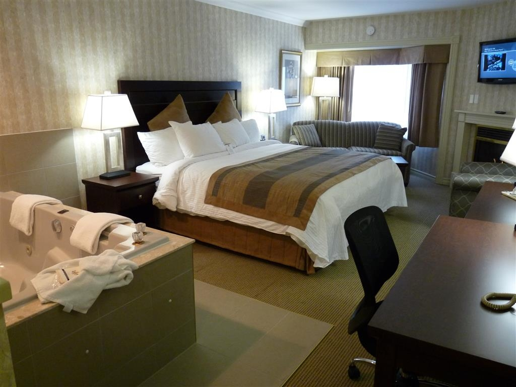 Best Western Brantford Hotel and Conference Centre - Chambre avec bain bouillonnant