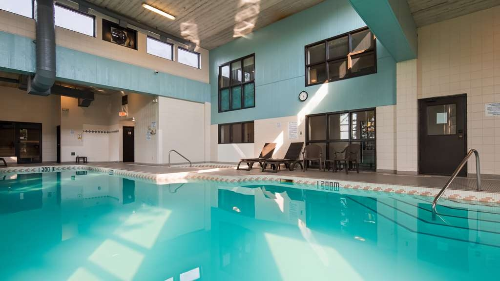 Best Western Brantford Hotel and Conference Centre - Vue de la piscine