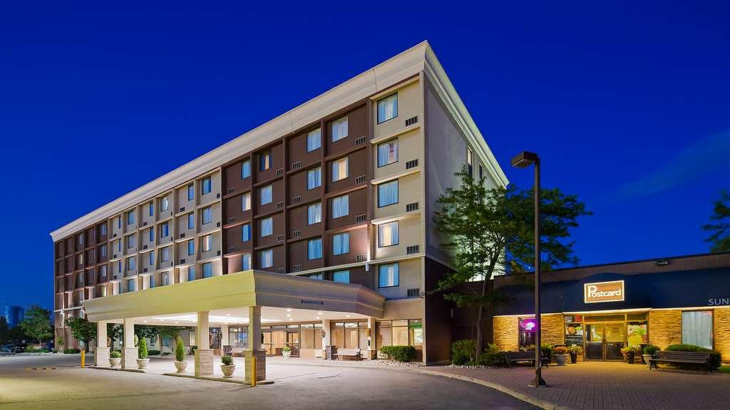 Best Western Plus Toronto Airport Hotel - Aussenansicht