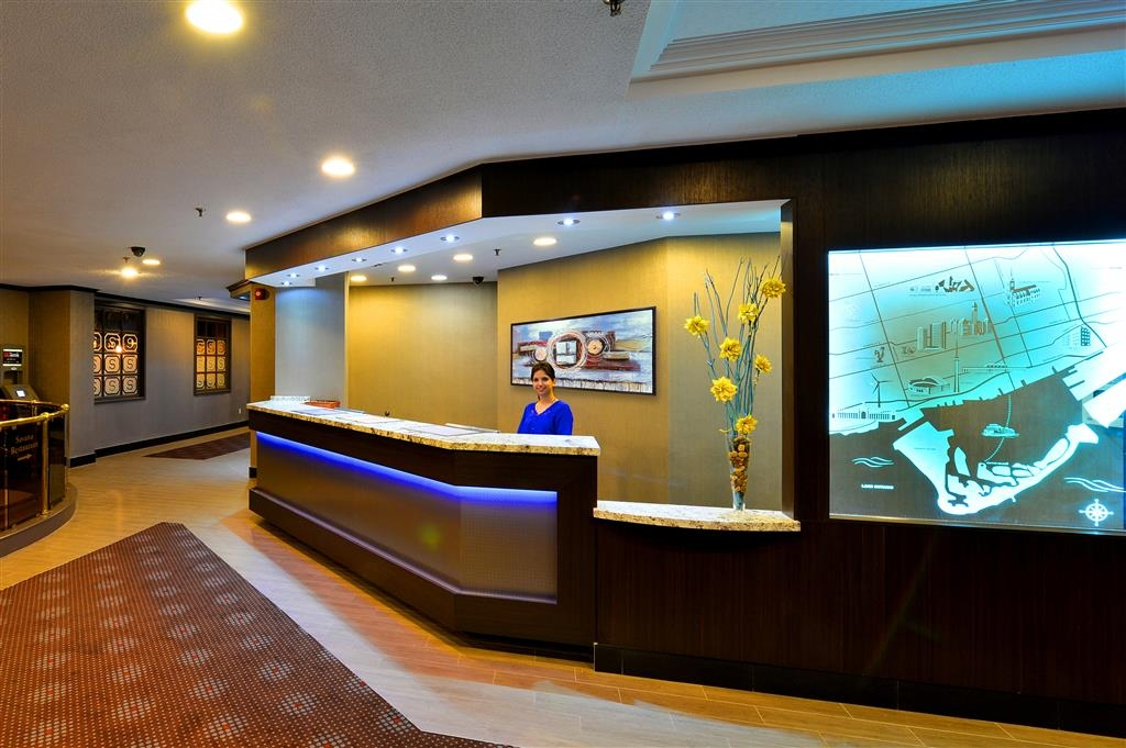 Best Western Plus Toronto Airport Hotel - reception