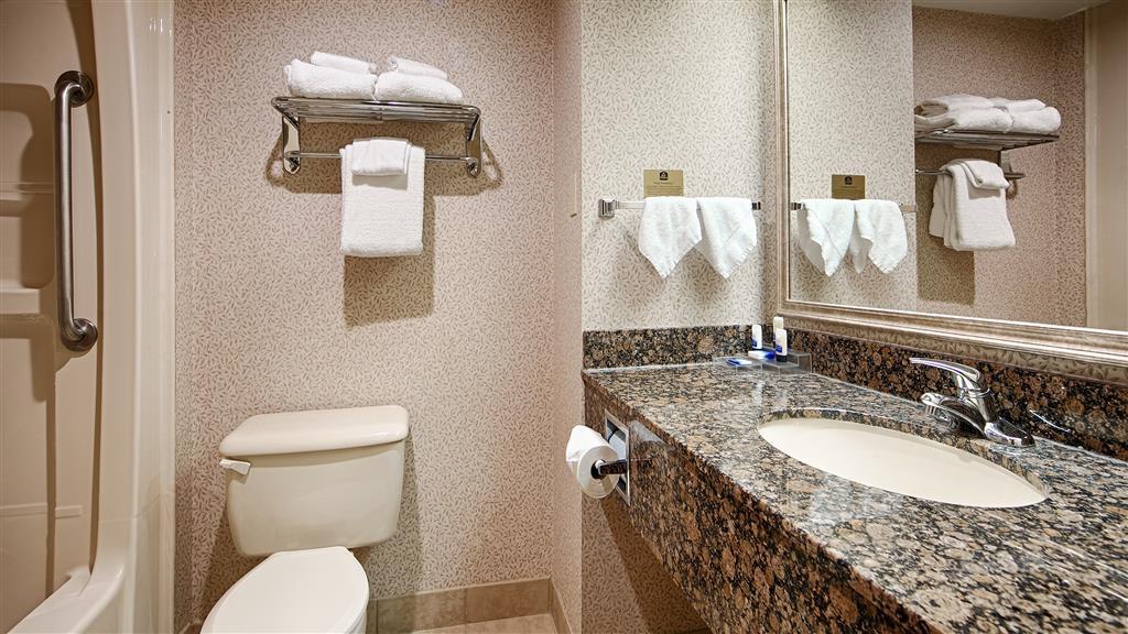 Best Western Plus Toronto Airport Hotel - Sie haben Ihr Shampoo vergessen? Machen Sie sich keine Sorgen, wir stellen Ihnen kostenlos Shampoo, Spülung und Lotion zur Verfügung.