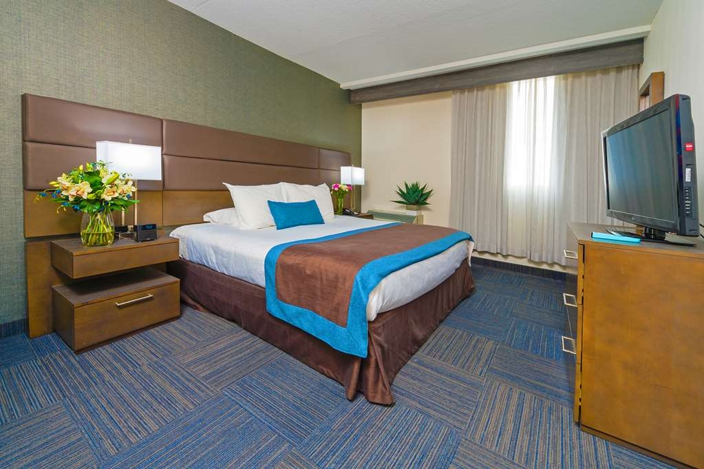 Best Western Plus Toronto Airport Hotel - Suite