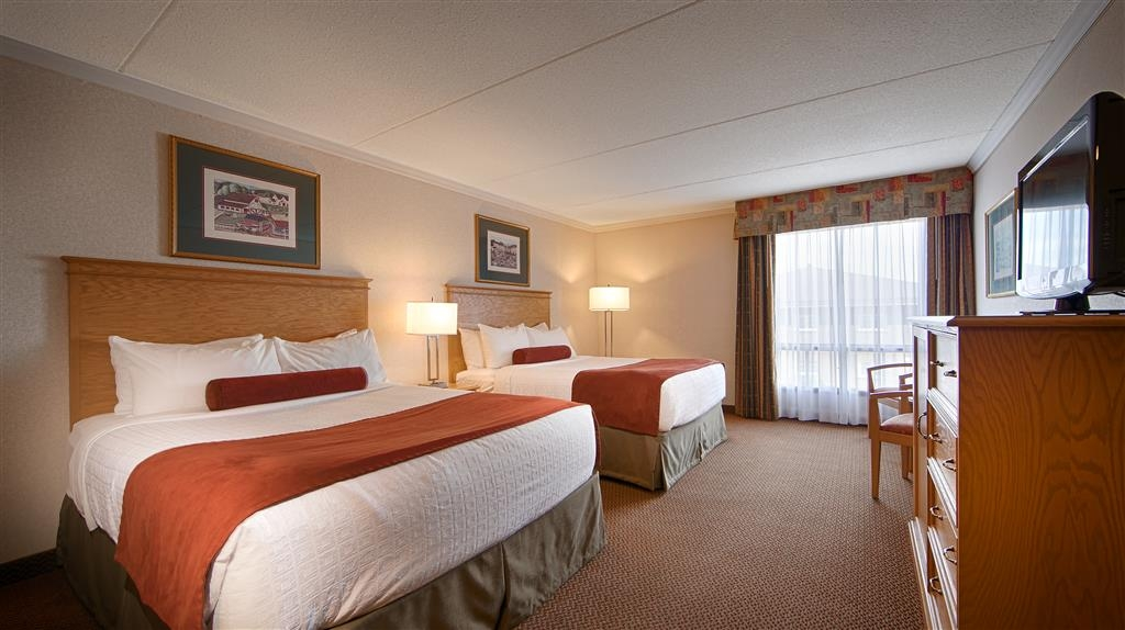 Best Western Plus Cobourg Inn & Convention Centre - Standard two queen room