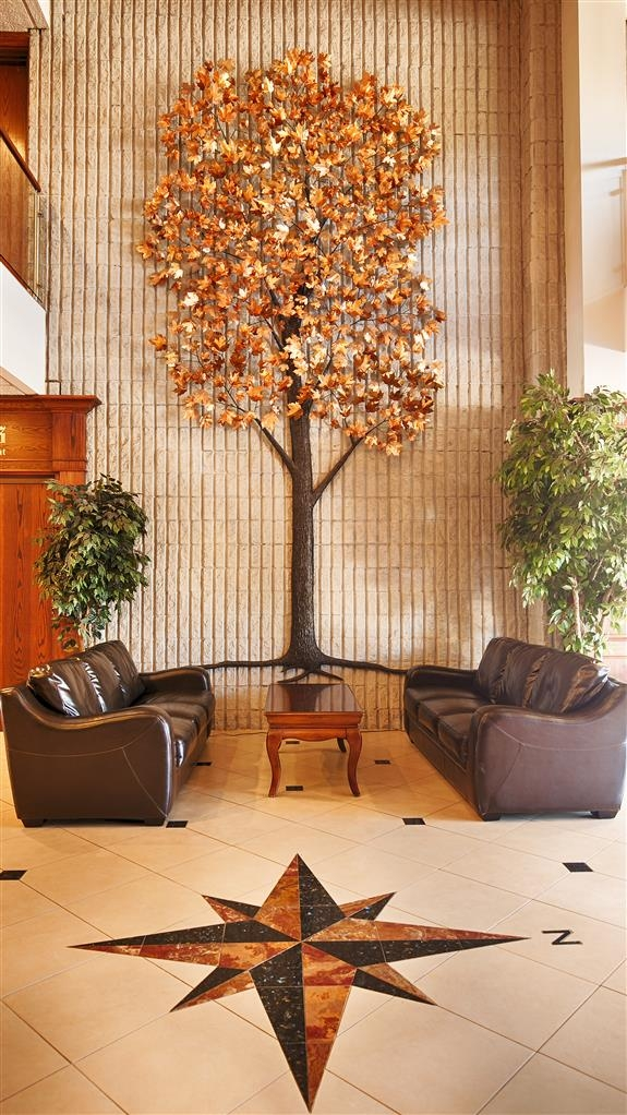 Best Western Plus Cobourg Inn & Convention Centre - Our beautifully designed copper lobby tree commissioned specifically for our lobby.