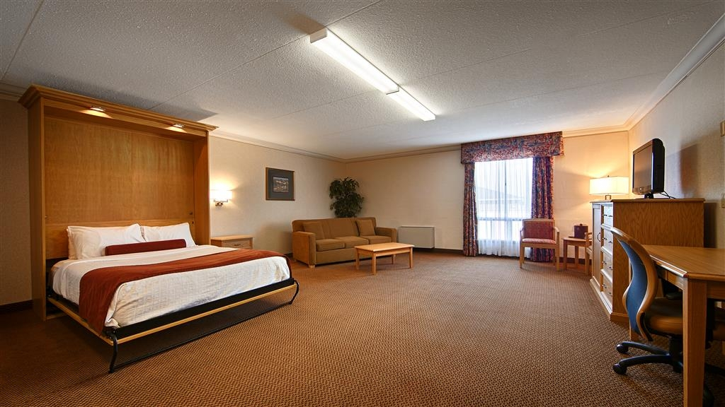 Best Western Plus Cobourg Inn & Convention Centre - Our Hospitality room with a queen sized Murphy bed and queen sized sofa bed.