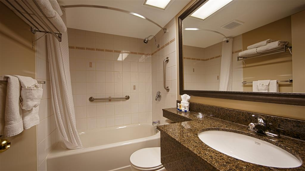 Best Western Plus Cobourg Inn & Convention Centre - Our modern designed bathroom has all the essentials you need.
