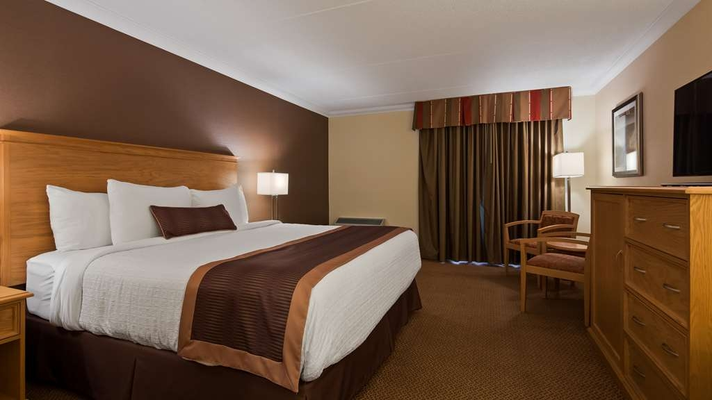 Best Western Plus Cobourg Inn & Convention Centre - Main King Room in our 2 bedroom family suite
