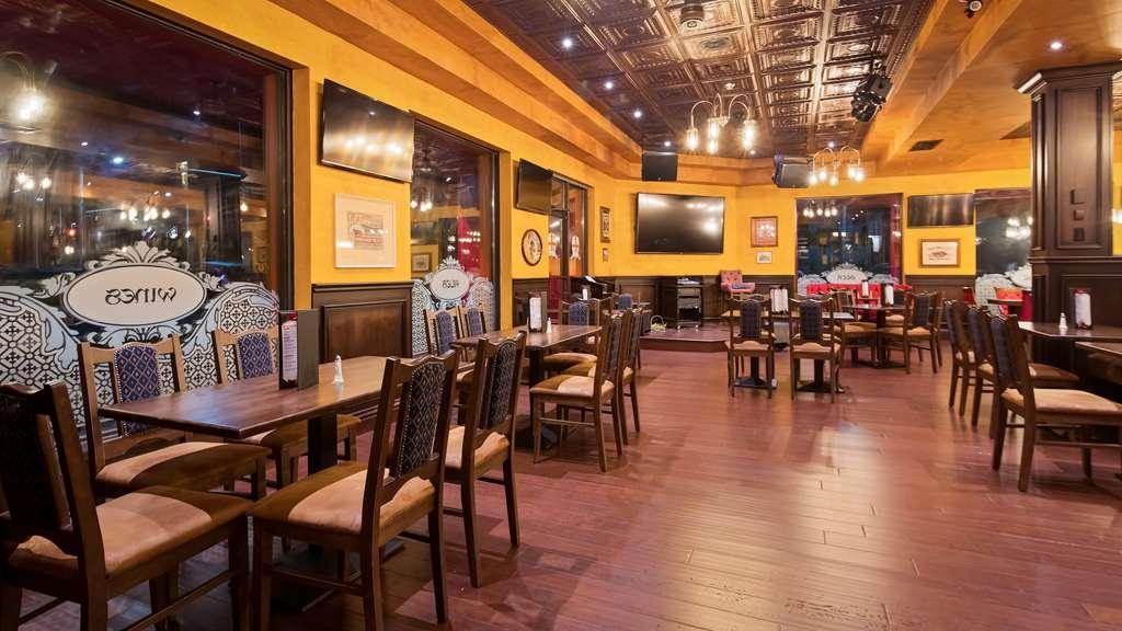 Best Western Plus Cobourg Inn & Convention Centre - Don't miss our Live Entertainment in Arthur's Pub