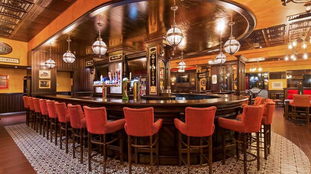 Best Western Plus Cobourg Inn & Convention Centre - Arthur's Pub
