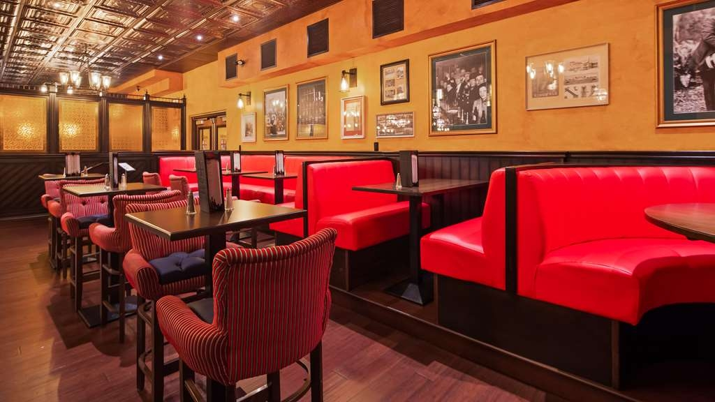 Best Western Plus Cobourg Inn & Convention Centre - Enjoy Breakfast in Arthur's Pub