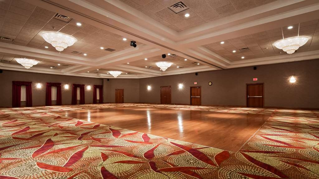 Best Western Plus Cobourg Inn & Convention Centre - Welcome to our Grand Ballroom