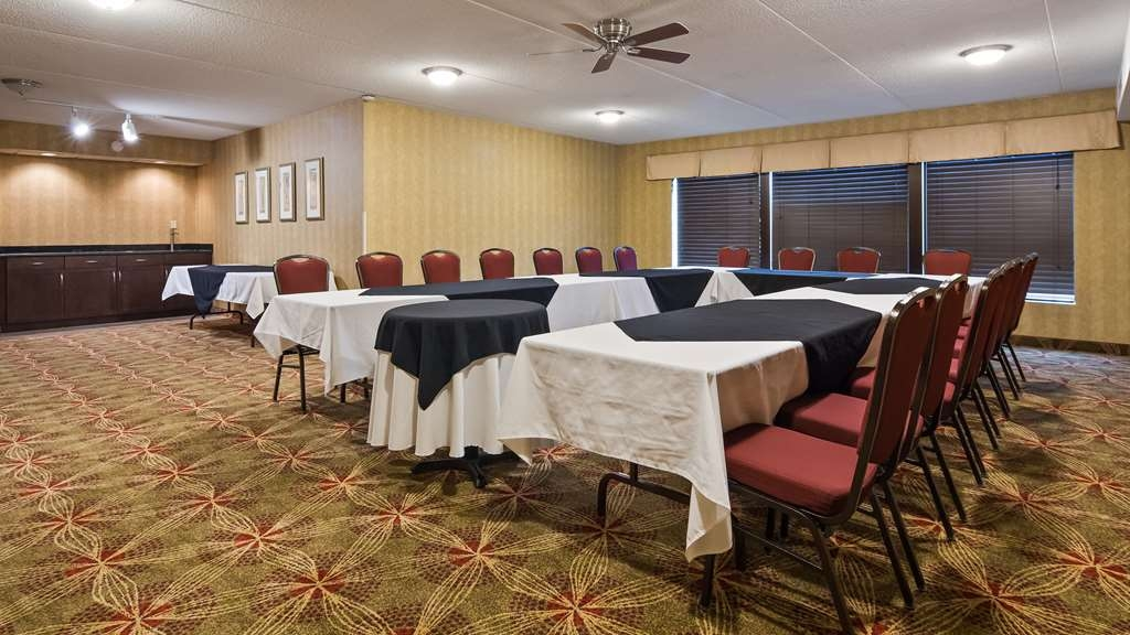 Best Western Plus Cobourg Inn & Convention Centre - Spa