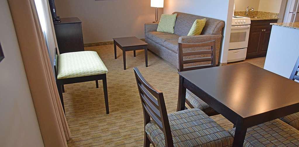 Hotel in Pembroke | Best Western Pembroke Inn & Conference