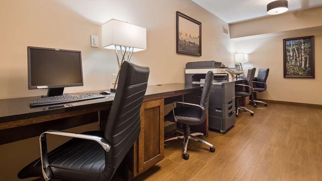 Best Western Pembroke Inn & Conference Centre - Geschäft-zentrum
