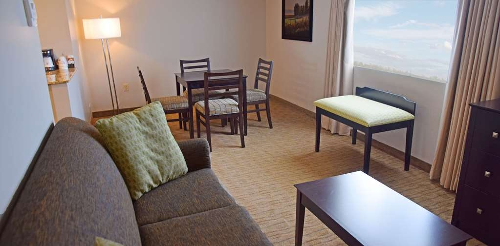 Best Western Pembroke Inn & Conference Centre - Suite