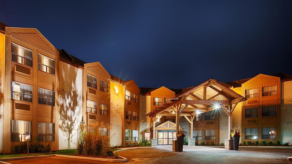 Best Western Plus Rose City Suites - Vista exterior