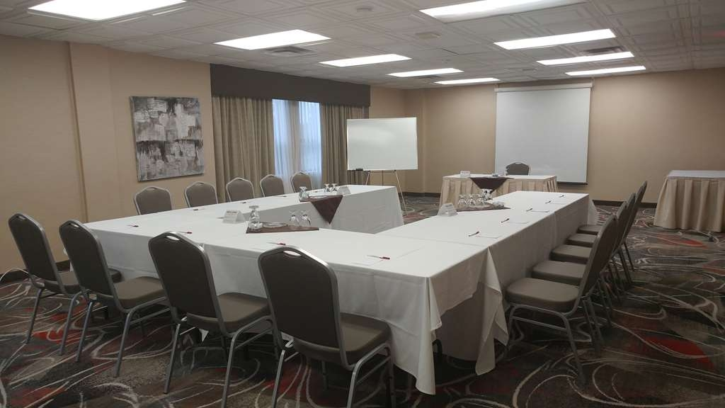 Best Western Plus Rose City Suites - Sala de reuniones