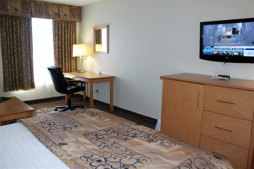 Best Western Smiths Falls Hotel - Mobility Accessible Queen Guest Room