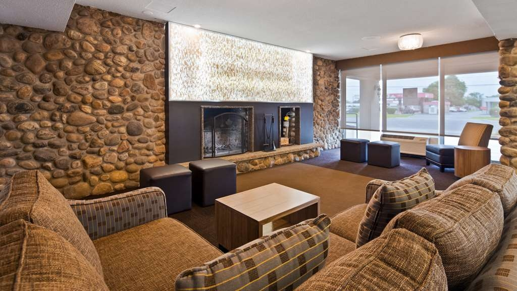 Best Western Plus Ottawa Kanata Hotel & Conference Centre - Hotel Lobby