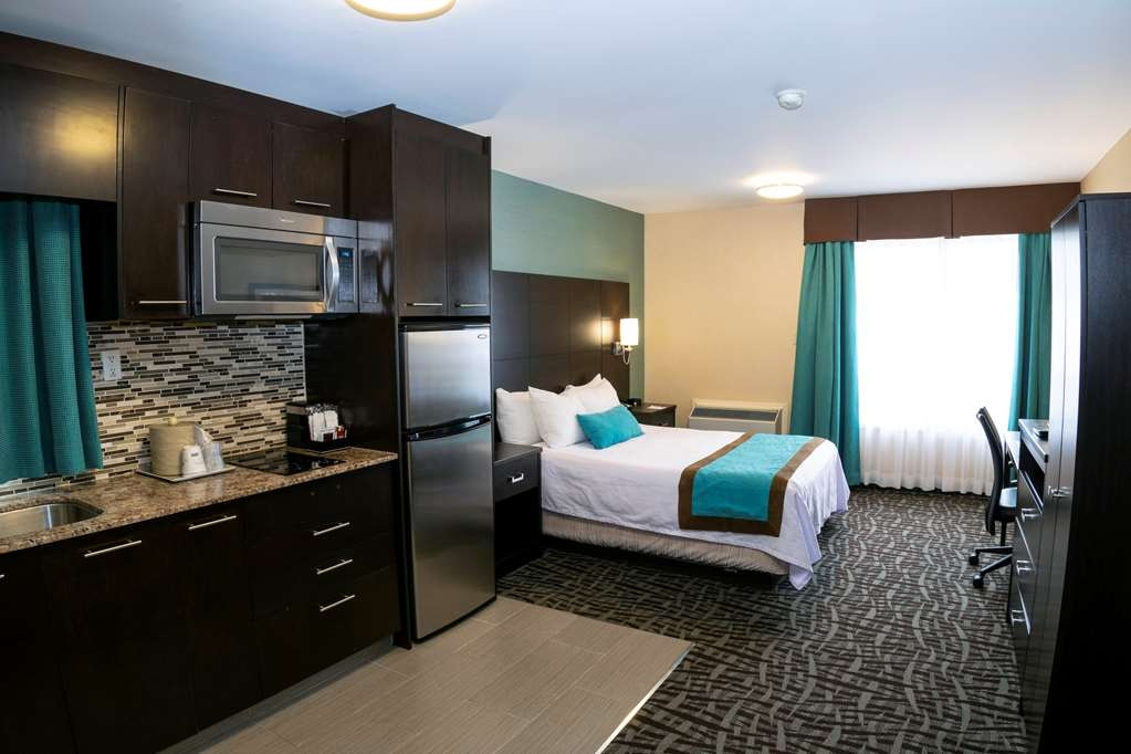 Best Western Plus Barrie - Suite