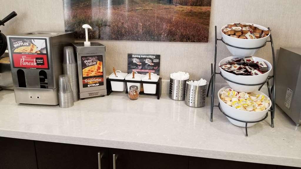 Best Western Plus Barrie - Le petit déjeuner buffet