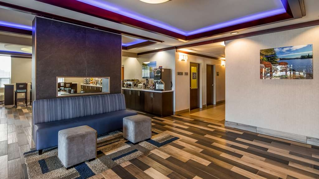 Best Western Plus Barrie - Hall