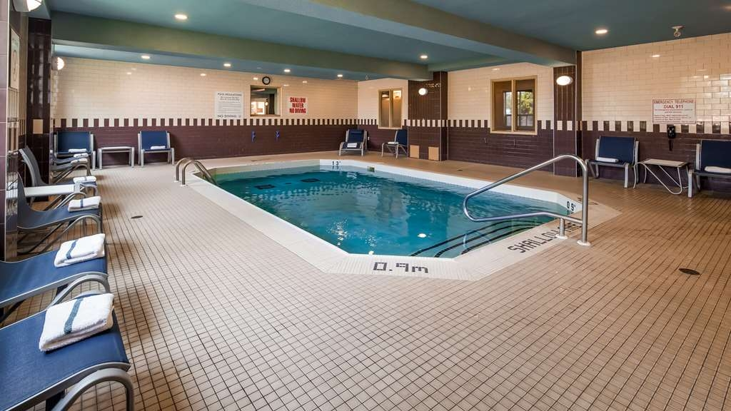 Best Western Plus Barrie - Piscina