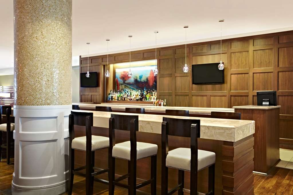 Best Western Parkway Hotel Toronto North - Bar / Lounge