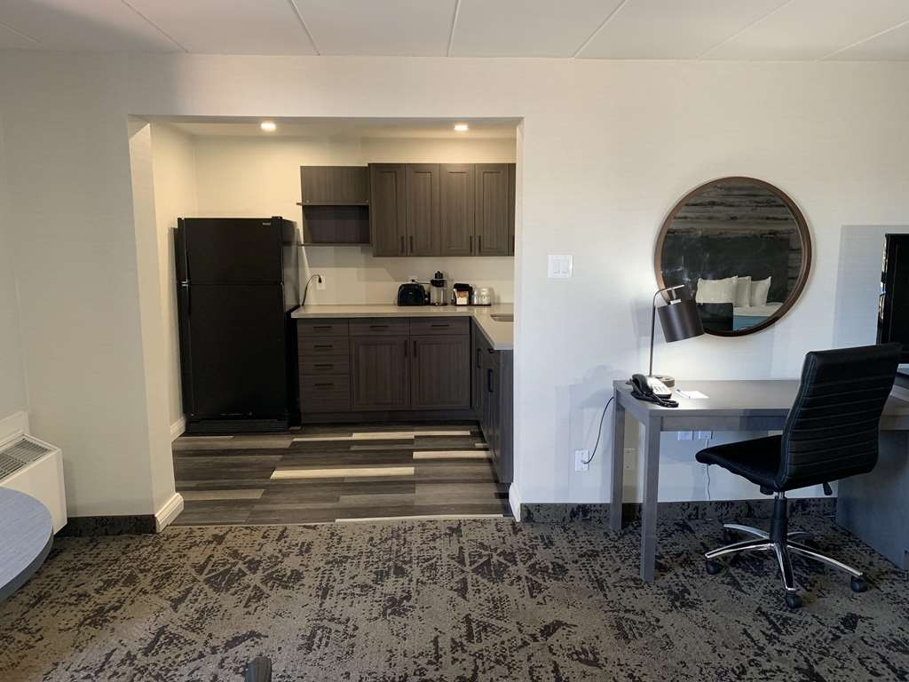Best Western Parkway Hotel Toronto North - Suite