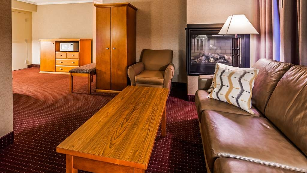 Best Western Plus NorWester Hotel & Conference Centre - Suite