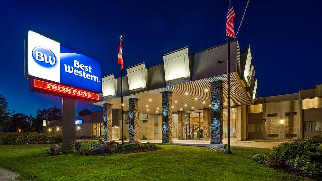 Best Western North Bay Hotel & Conference Centre - Area esterna