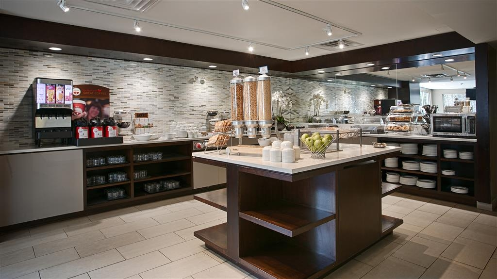 Best Western Plus Ottawa Downtown Suites - Frühstücksbuffet