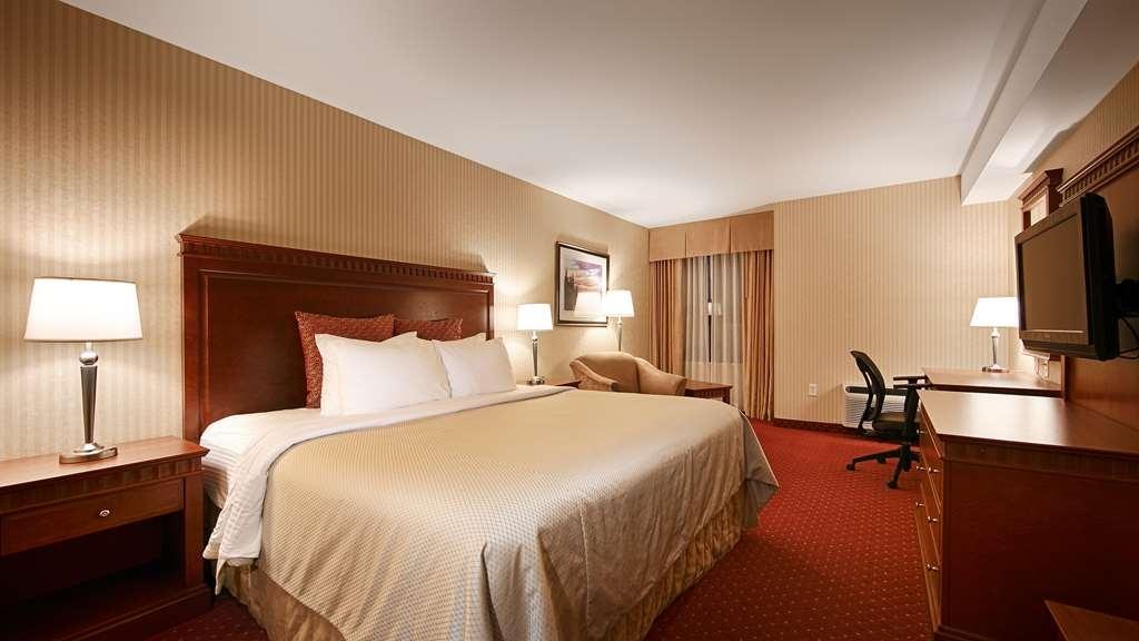 Best Western Plus Otonabee Inn - King Bed Guest Room