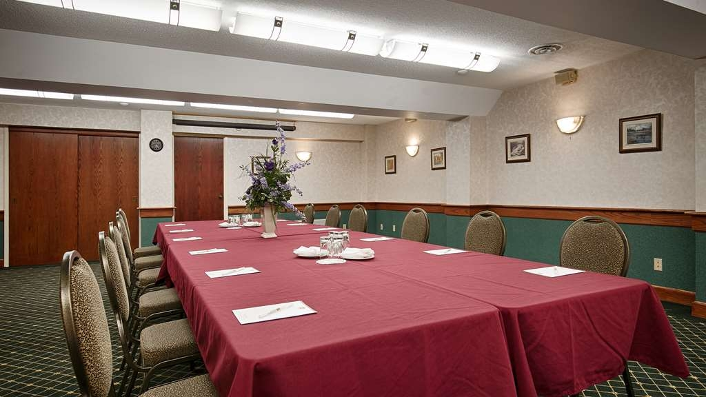 Best Western Plus Otonabee Inn - Need to schedule a meeting for business? We have space available for you and your clients.