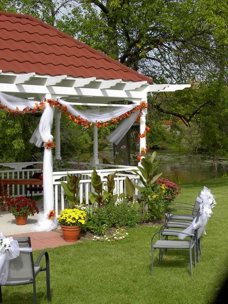 Best Western Plus Otonabee Inn - Wedding Gazebo