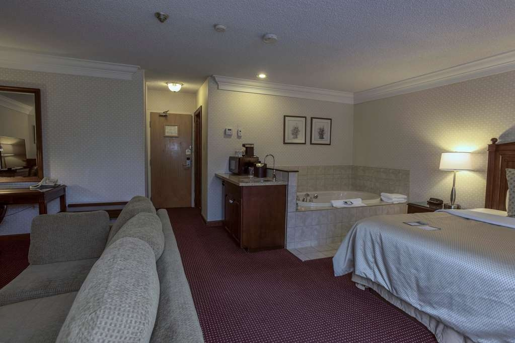 Best Western Plus Otonabee Inn - Suite