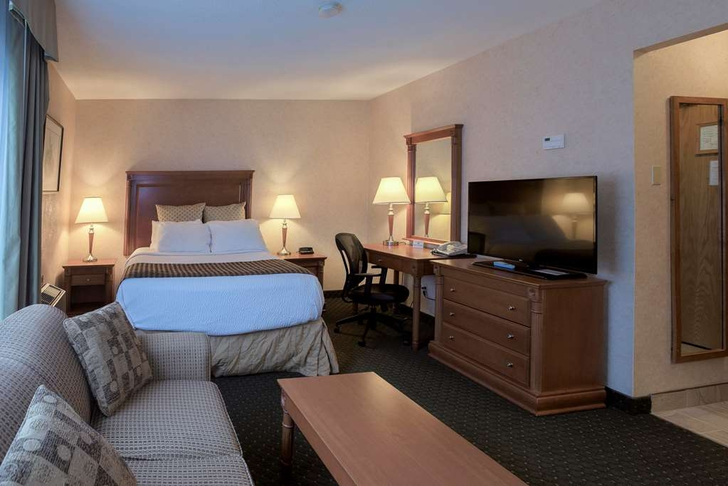 Best Western Plus Otonabee Inn - Guest Room with Kitchen 1 Queen bed Riverview