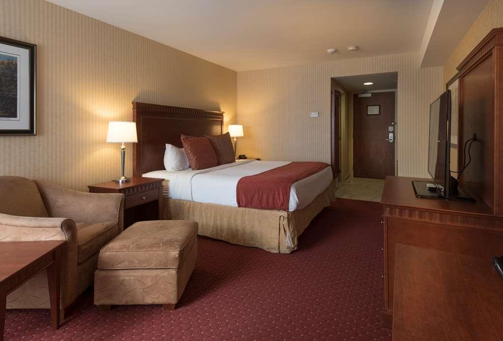 Best Western Plus Otonabee Inn - Standard King Bed Guest Room