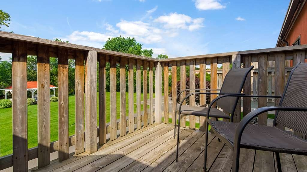 Best Western Plus Otonabee Inn - Enjoy the view from our balcony rooms.