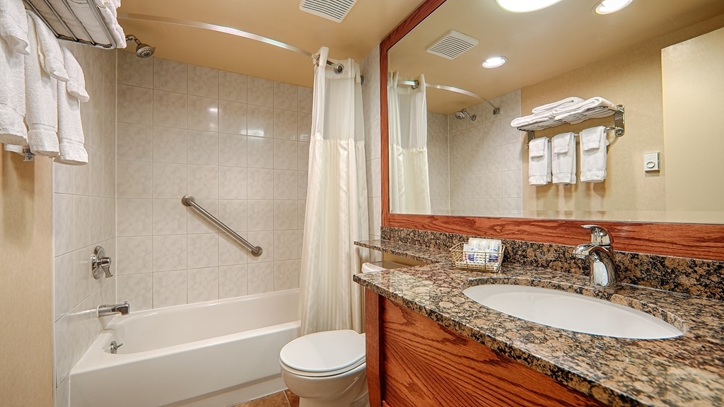 Best Western Voyageur Place Hotel - All of our guest bathrooms have accessible grab bars for your convenience.