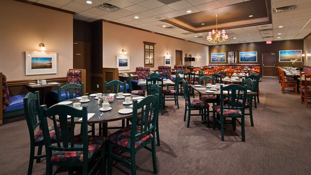 Best Western Voyageur Place Hotel - The Buttery Restaurant (ranked for years among the top 5 on Trip Advisor of over 230 restaurants)