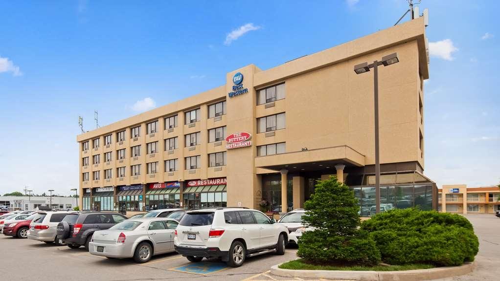 Best Western Voyageur Place Hotel - Hotel Exterior