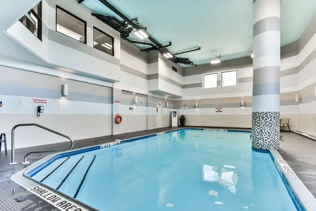 Best Western Plus Cambridge Hotel - Vue de la piscine