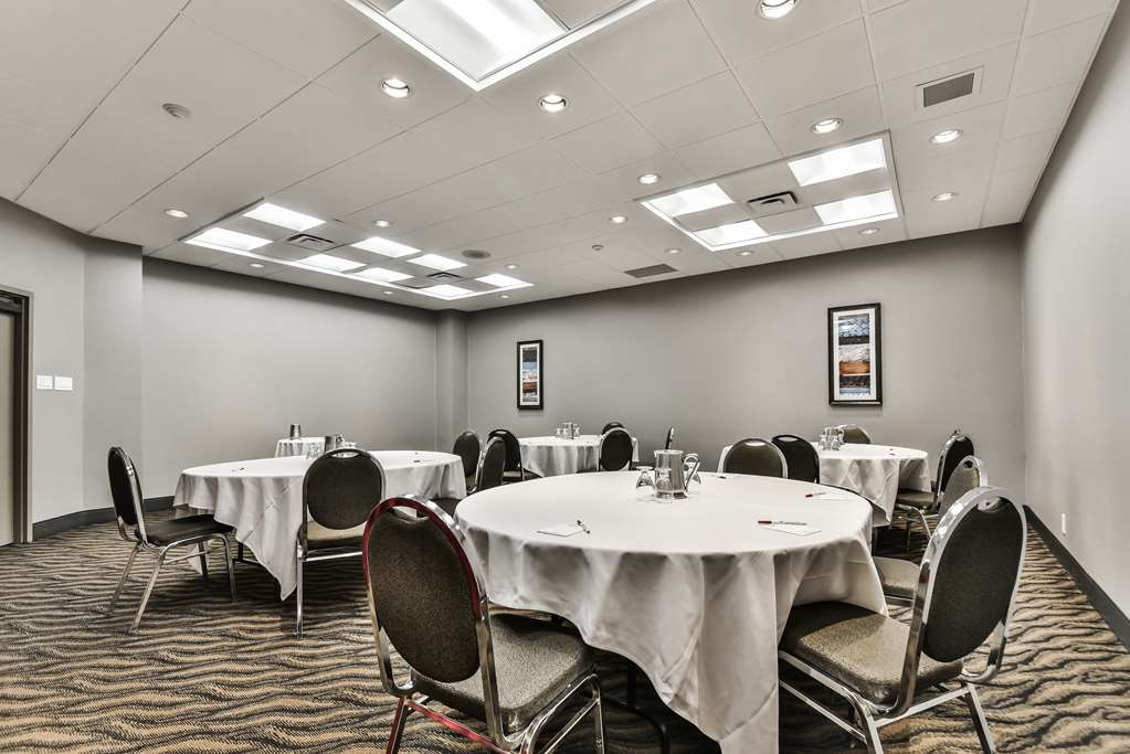 Best Western Plus Cambridge Hotel - Sala de reuniones