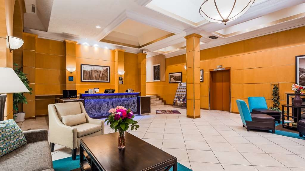 Best Western Downtown Sudbury Centreville - Hotel Lobby