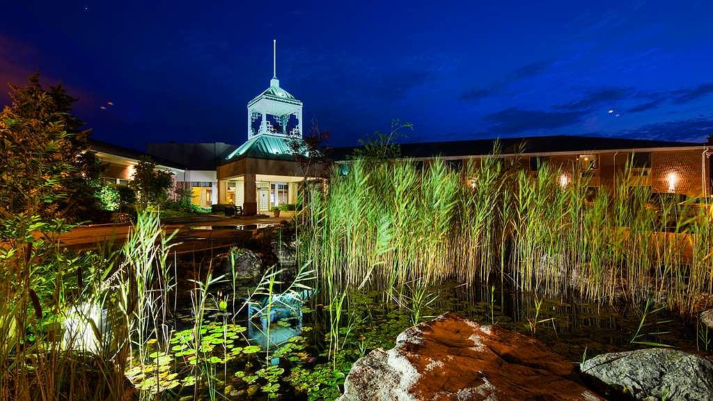 Best Western Plus Stoneridge Inn & Conference Centre - Area esterna