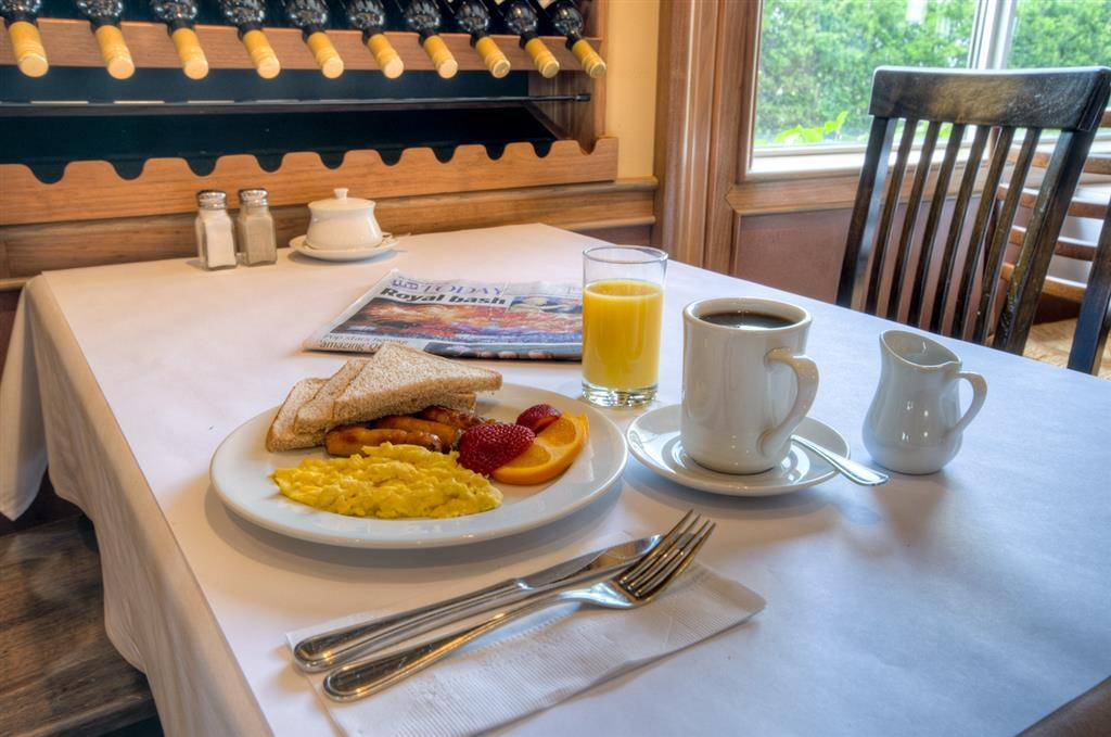 Best Western Plus Stoneridge Inn & Conference Centre - Servizio in camera disponibile per pranzo e cena