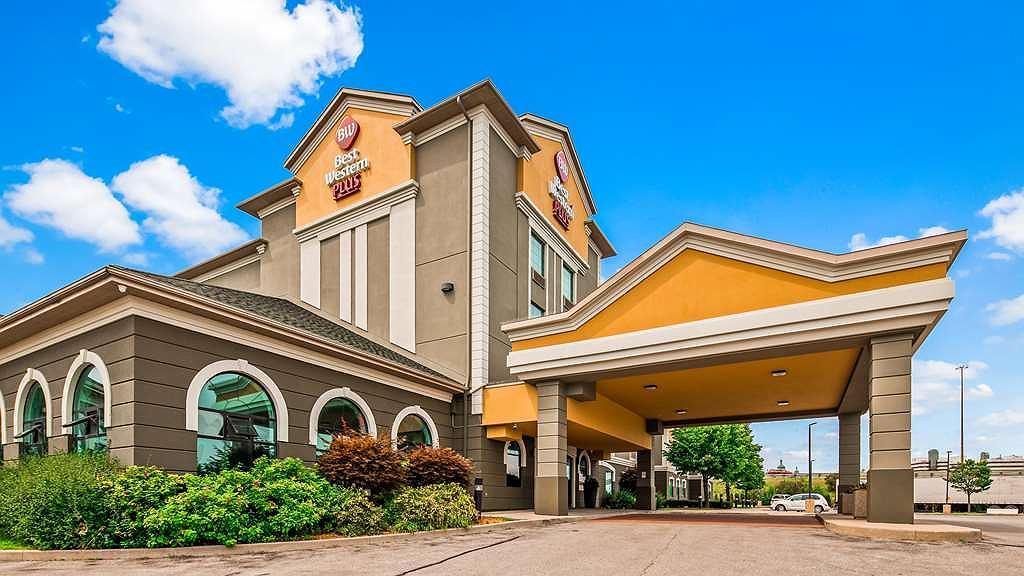 Best Western Plus Executive Inn - Façade