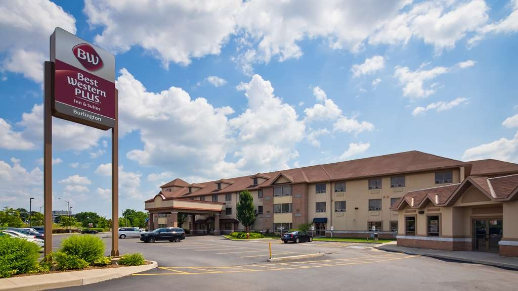 Best Western Plus Burlington Inn & Suites - Facciata dell'albergo